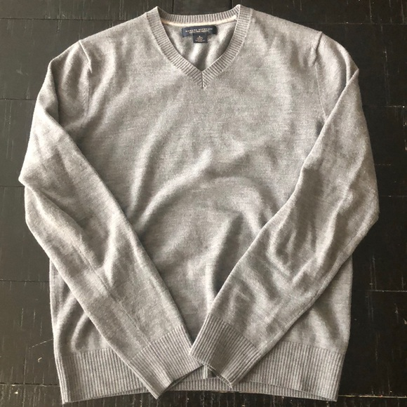 Banana Republic Other - Banana Republic 100% Merino Wool V-Neck Sweater